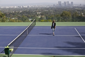 Sheats Goldstein House, the tennis court on the rooftop with a view over Los Angeles